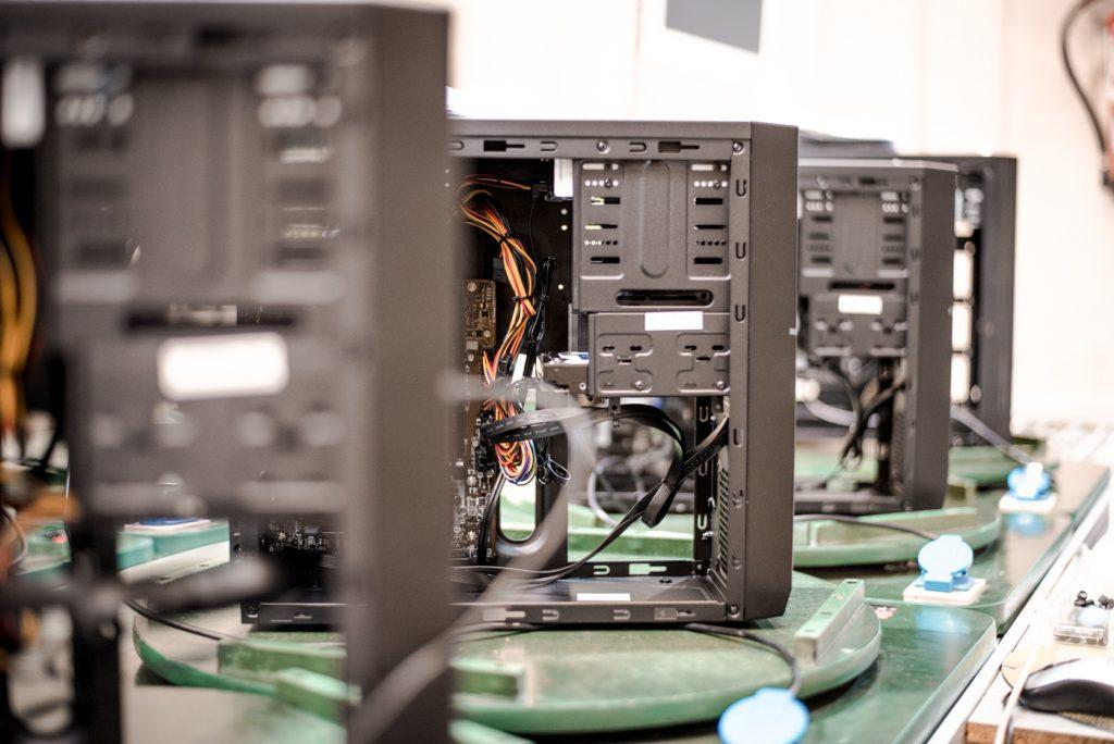 Las tiendas BEEP, PCBOX, BEEPBOX y La Fábrica del Cartucho gestionadas con Velneo 3